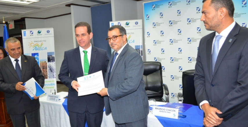 UCR Receives Funds from CABEI for a Clean Energy Project