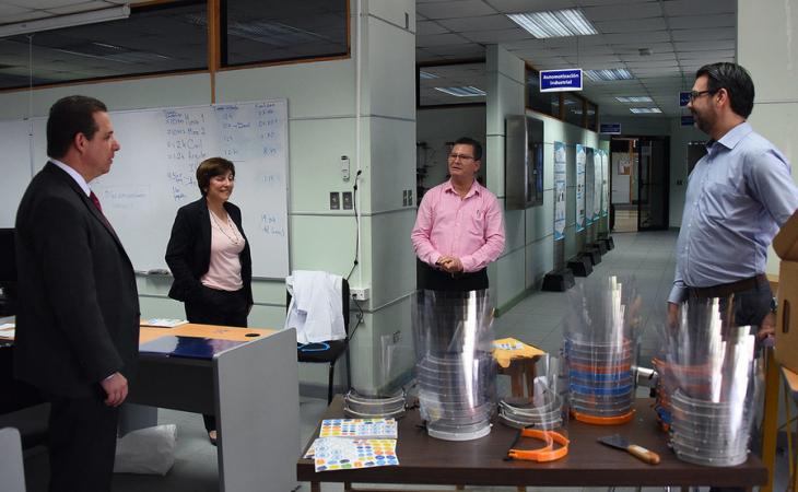 vicepresidente de la República, Marvin Rodríguez Cordero, y la viceministra del Ministerio de Ciencia, Tecnología y Telecomunicaciones (Micitt), Paola Vega Castillo visita Respira UCR